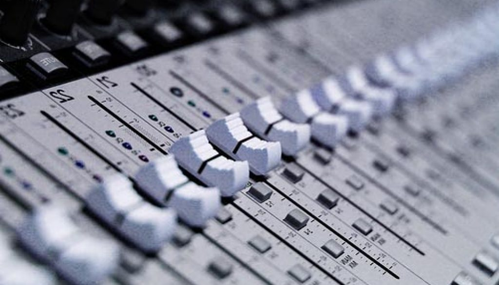 Audio Recording Mixing Console Pic